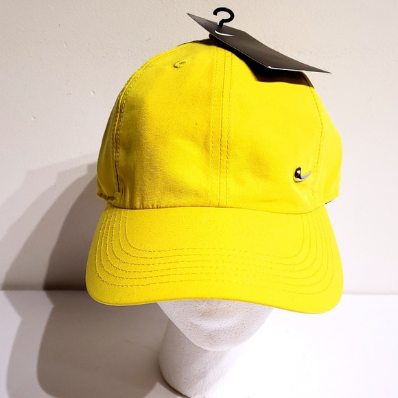cheaper f1020 19343 Nike Youth Kids Metal Swoosh Strapback Hat Yellow. NWT. Nike.  M 5c48d11012cd4a7bb742ce0e. M 5c48d11ea5d7c6520e2b89f5.  M 5c48d1277386bca0f64eab28